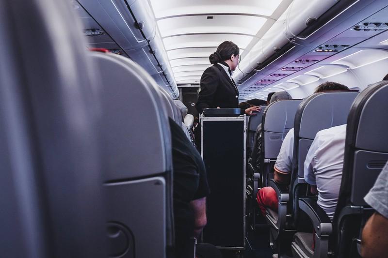 Flugbegleiter mögen es nicht, wenn man Heißgetränke auf der Kurzstrecke bestellt