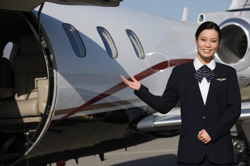 Stewardessen mögen es nicht, wenn man nicht zurückgrüßt
