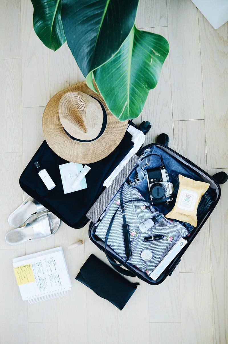 Um die Besorgnis zu überwältigen, dass etwas schiefgehen könnte auf dem Flug, versuch rechtzeitig zu packen und dich zu entspannen.