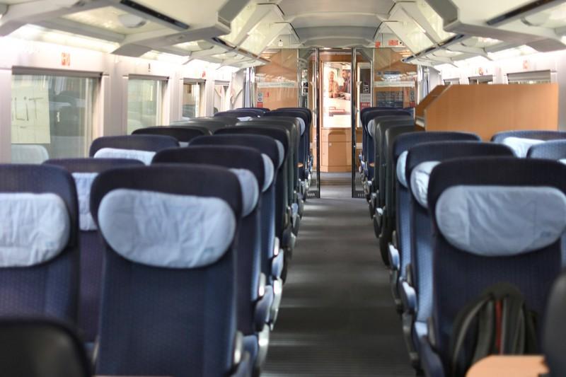 Ein leerer Zug, weil viele die Fahrkarte der Bahn jetzt stornieren wollen