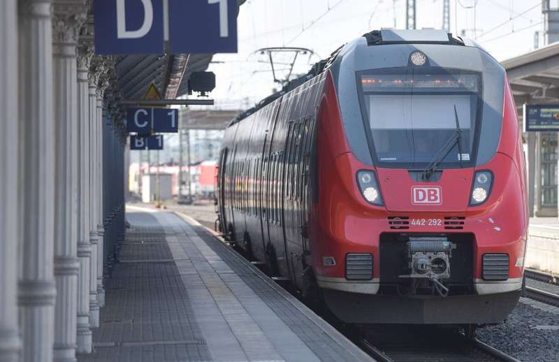 """Ein Regionalzug, bei dem die Regelungen bezüglich """"Ticketerstattung"""" aufgrund von Corona bundesweit gelten."""