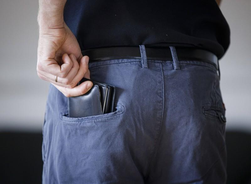 Manch ein Urlaubsereignis möchte man kein zweites Mal erleben, zumindest nicht dieser Reddit-Nutzer, dessen Freund keine Brieftasche mehr hatte.