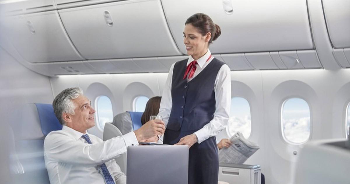 Deshalb sollte man im Flugzeug keine Cola bestellen