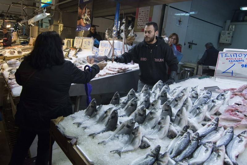 Der frische Fisch ist auf dem griechischen Street Food Markt ein absolutes Muss.